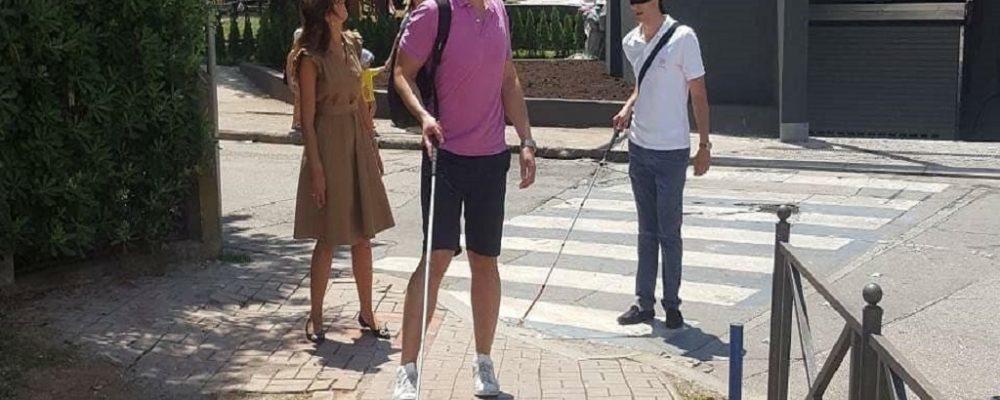 Akcija za osobe oštećenog vida osim u gradovima u Srbiji organizovana i u Budvi